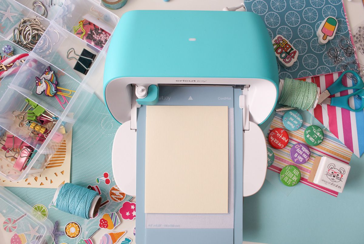 Cricut Joy en pleno trabajo